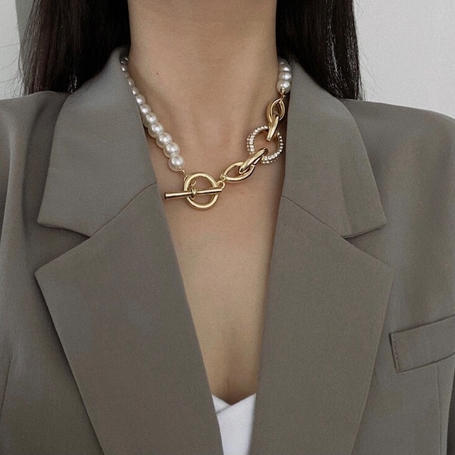 pearl × chain contrast choker