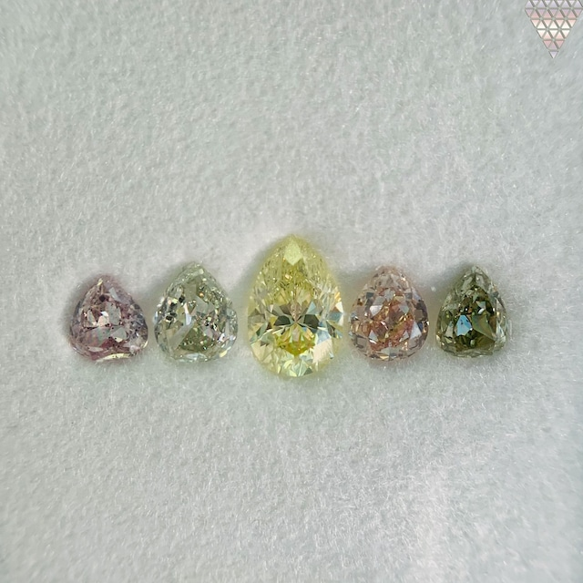 合計  0.97 ct 天然 カラー ダイヤモンド 5 ピース GIA  1 点 付 マルチスタイル / カラー FANCY DIAMOND 【DEF GIA MULTI】