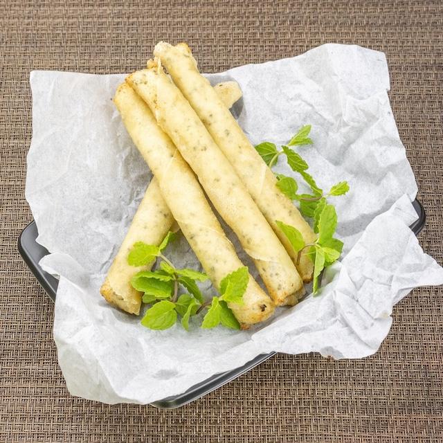 """【ディナータイム限定】「シガラボレイ」フェタチーズとミントの揚げ春巻き """"Shigaraborei"""" - fried spring rolls with feta cheese and mint"""