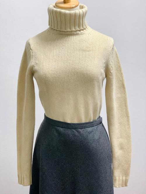 Old Cashmere Low Gauge Turtleneck Sweater