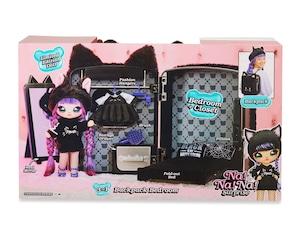 送料無料 Na! Na! Na! Surprise 3-in-1 Backpack Bedroom Black Kitty Playset with Limited Edition Doll