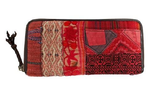 民族刺繍生地のパッチワークと牛革使用の長財布