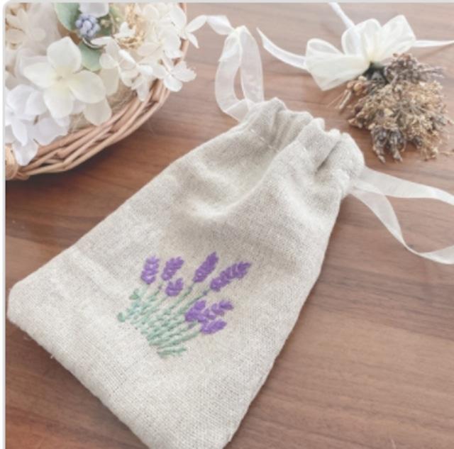 ラベンダー刺繍のミニ巾着