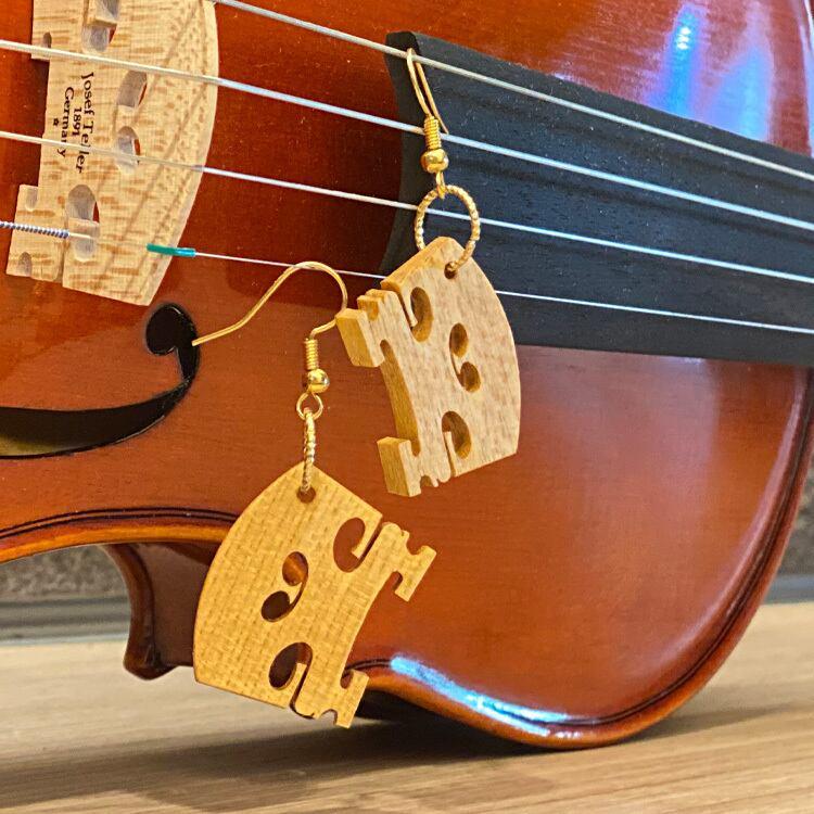 バイオリンの駒で作ったピアス
