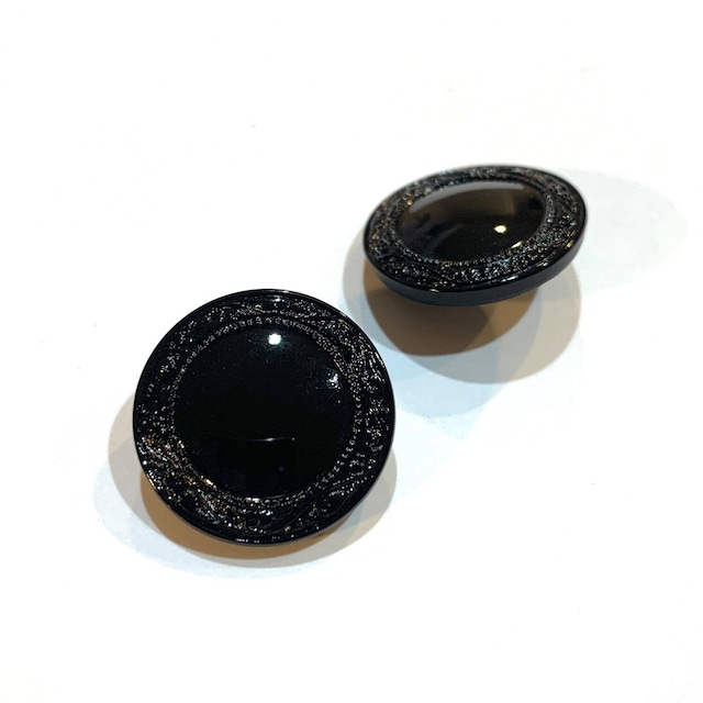 縁ありチェコガラス黒ボタン