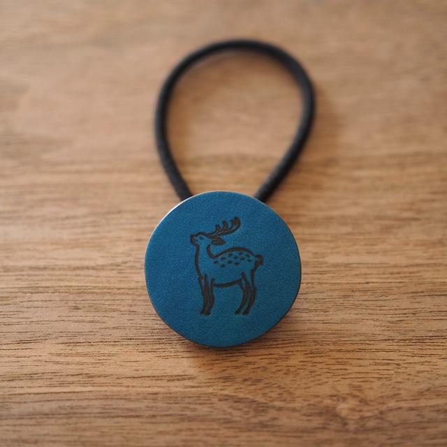 鹿の焼印ボタンゴム「丸」(瑠璃色 / RURI IRO)
