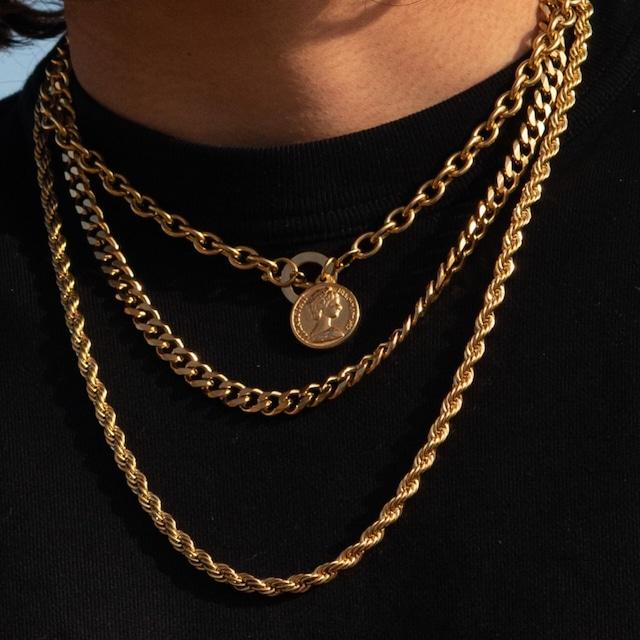【人気No.1】Model Wearing 3-Pieces Necklace Set