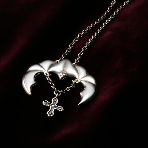 Bat Hovering in Moonlight (Male) 『月光に浮かぶコウモリ』(オス)