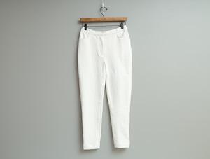 吊り編み天竺の細身パンツ