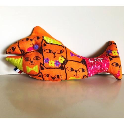 【猫ちゃんのおもちゃ】猫用おもちゃまたたび実入り 猫ちゃん大喜び!①