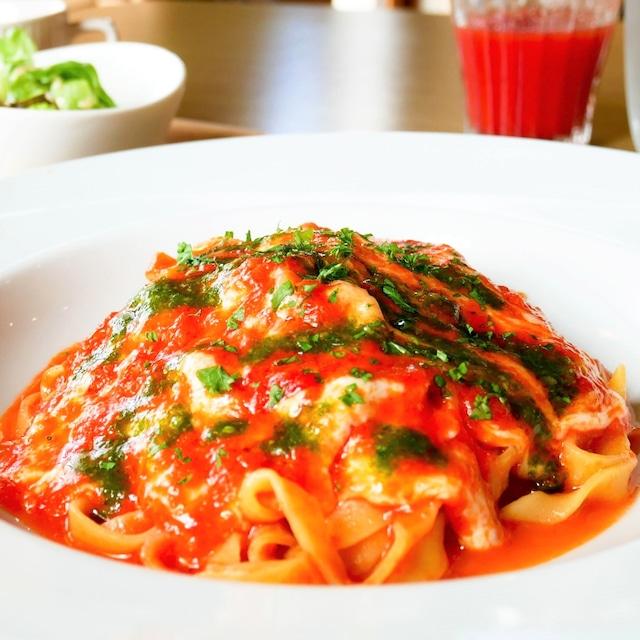 香り豊かなトマトソースセット(バジル&ガーリックトマトソースと生パスタの2食セット)