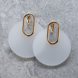 EARRINGS || 【通常商品】 GLASS CIRCLE EARRINGS WHITE || 1 EARRINGS || WHITE || FDF150