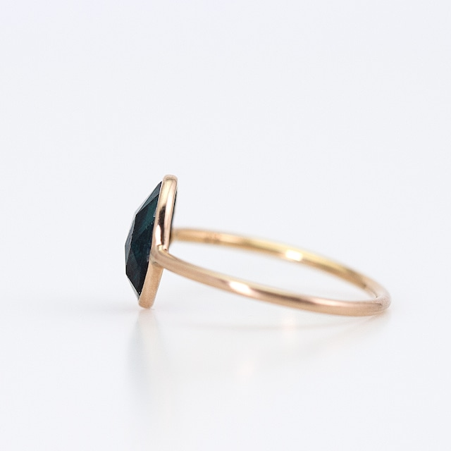 Indigolite tourmaline ring / Rosecut