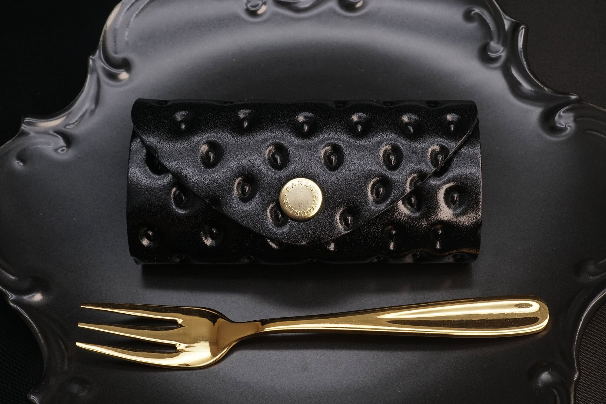 黒いちごな4連キーケース(牛革製)
