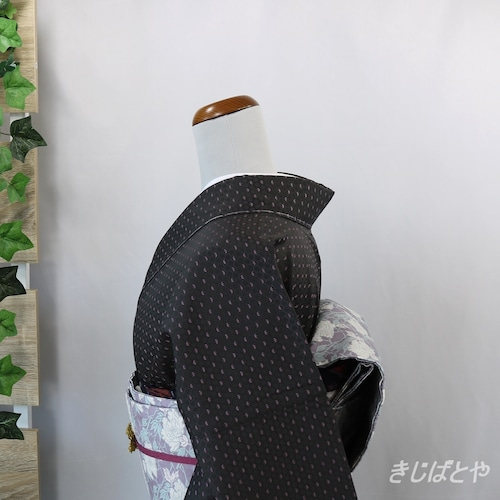 【M様ご予約品】正絹綸子 黒地に淡藤色の竹 袷