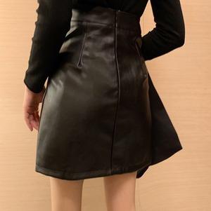 【翌日発送/1点・Sサイズ限定】【Short length faux leather skirt LD0290