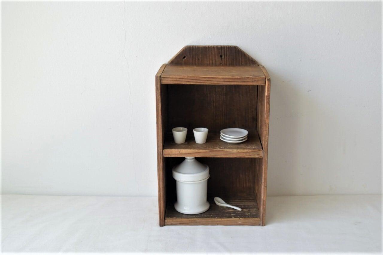 木味の良い2段の卓上棚