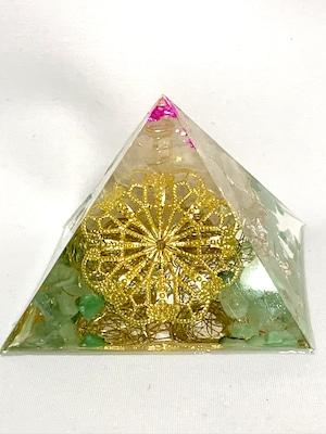 ピラミッド型オルゴナイト【グリーンアベンチュリン・ローズクォーツ・天然水晶】