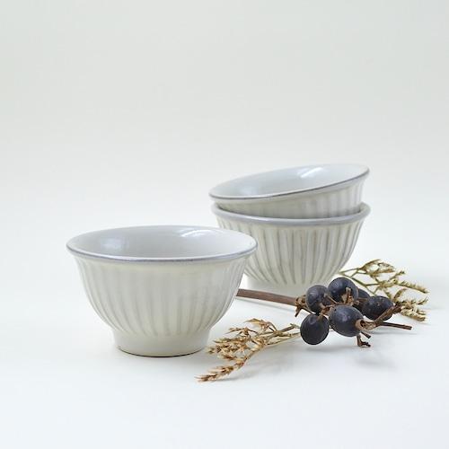わら灰釉しのぎ飯マカイ(茶碗) 小