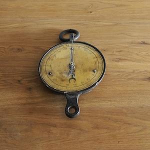 #11-07   Antique scale