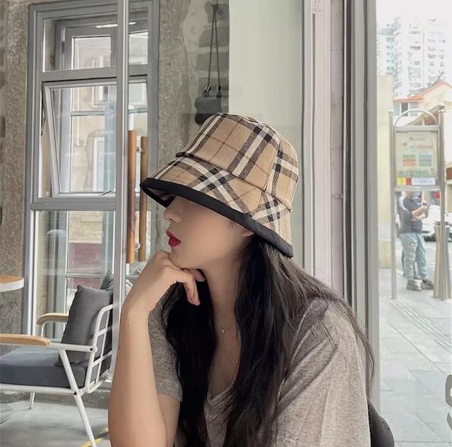 ❤︎ check bucket hat
