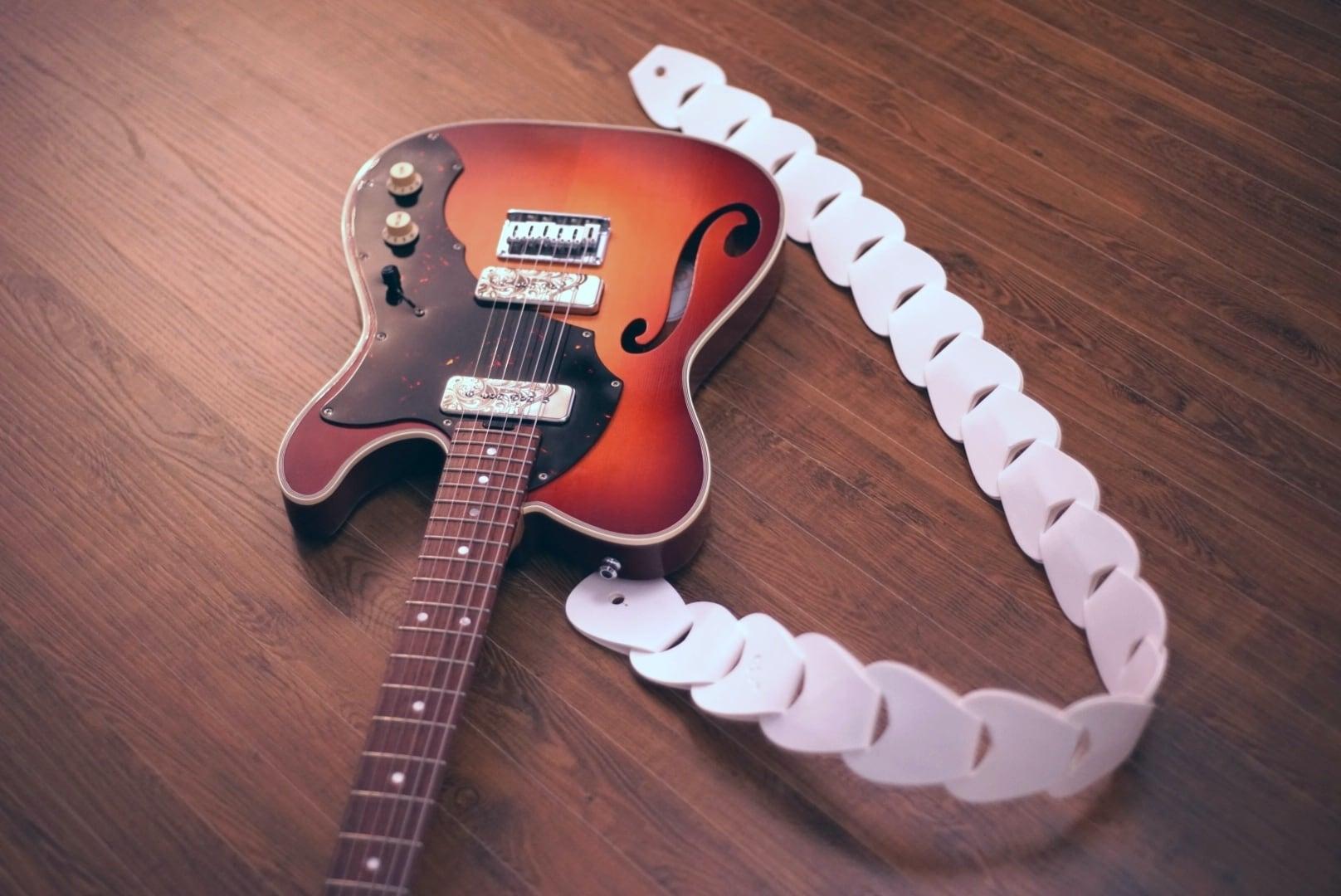 folklore -premium-  / White【ウロコのようなギターストラップ 】