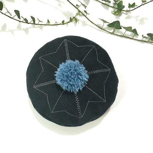 刺繍ポンポンベレー帽 ダークグリーン