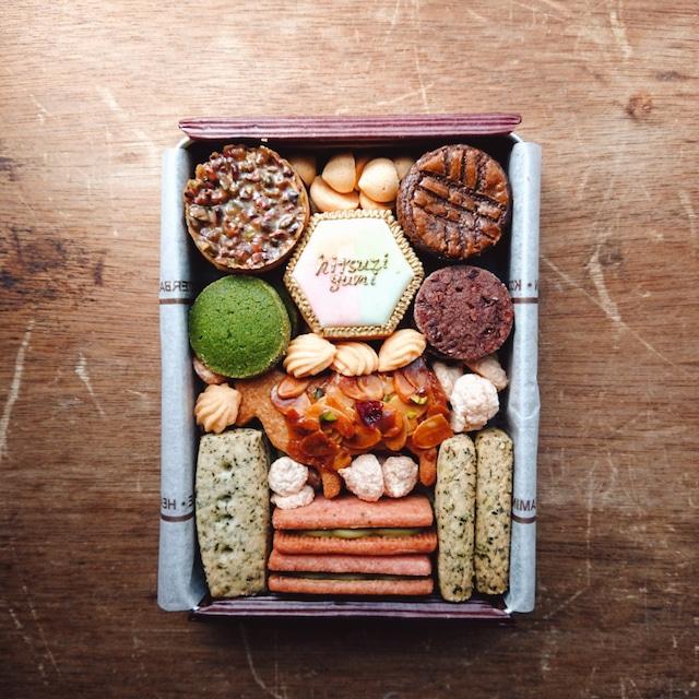 【店頭お渡し】ひつじ組のクッキー缶『spécialité!』