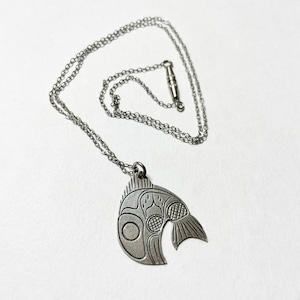 1977's First Nations Hand Carved Sterling Pendant Necklace By N Brotchie (Whale Motif)