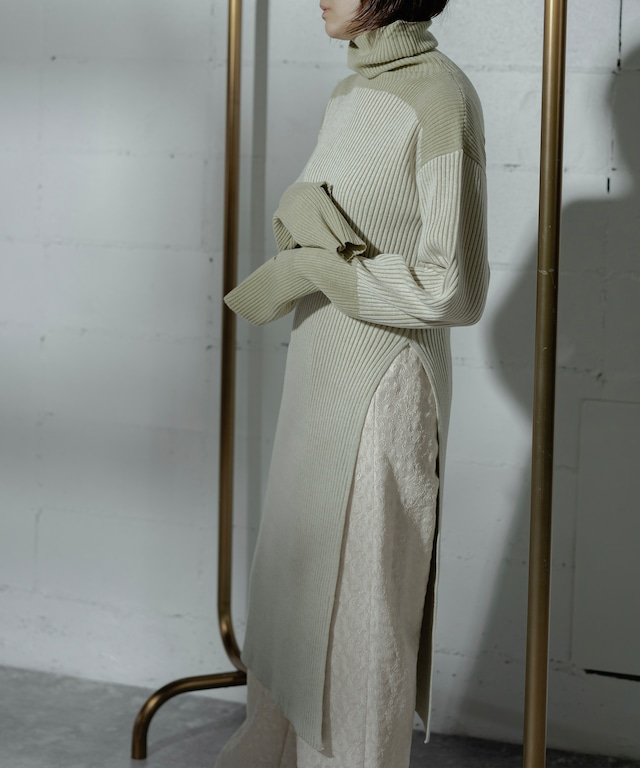RIB TURTLE SLIT KNIT DRESS (YELLOW)