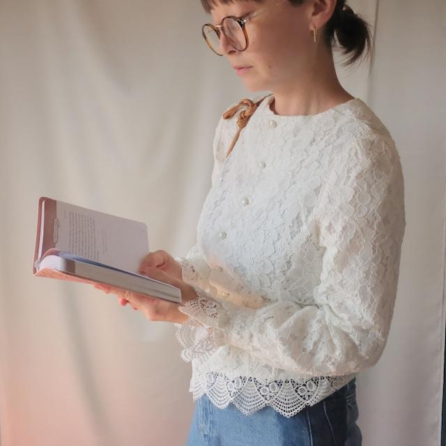 Autumn clothing 2: long sleeve lace blouse