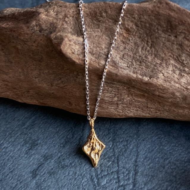 ゴールド&シルバーのコンビネックレス(ダイヤスターチャーム)シルバー&純金メッキ仕立て