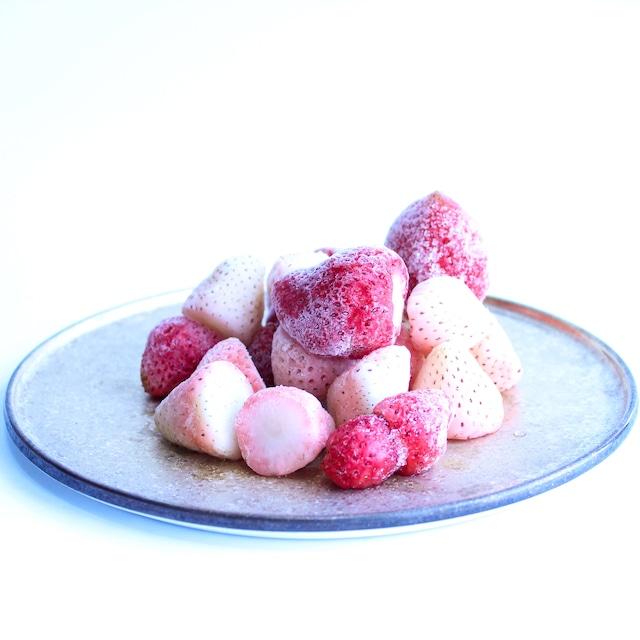 食べ比べ完熟冷凍苺「よつぼし&淡雪 1.0kg × 2種類」化粧箱入|BERRY伊賀農園直送