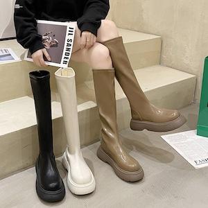 【シューズ】カジュアル丸トゥ厚底ロング丈ブーツ52898487