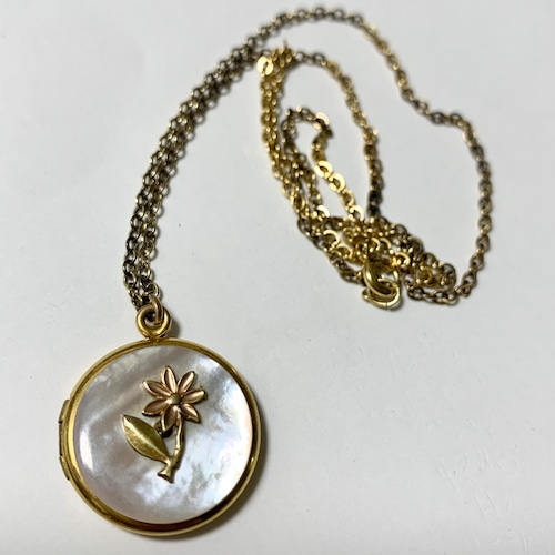 Vintage Mother of Pearl  & Flower Locket Pendant Necklace