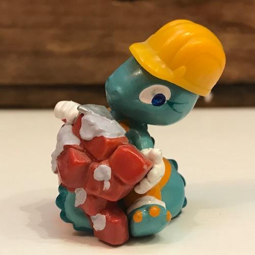 キンダーサプライズ DINO LAND 作業員 セメント塗り 建設現場シリーズ 恐竜