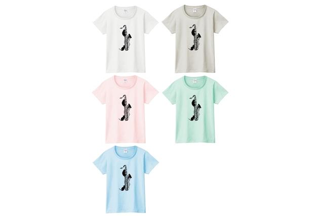テナーサックスと黒猫のTシャツ