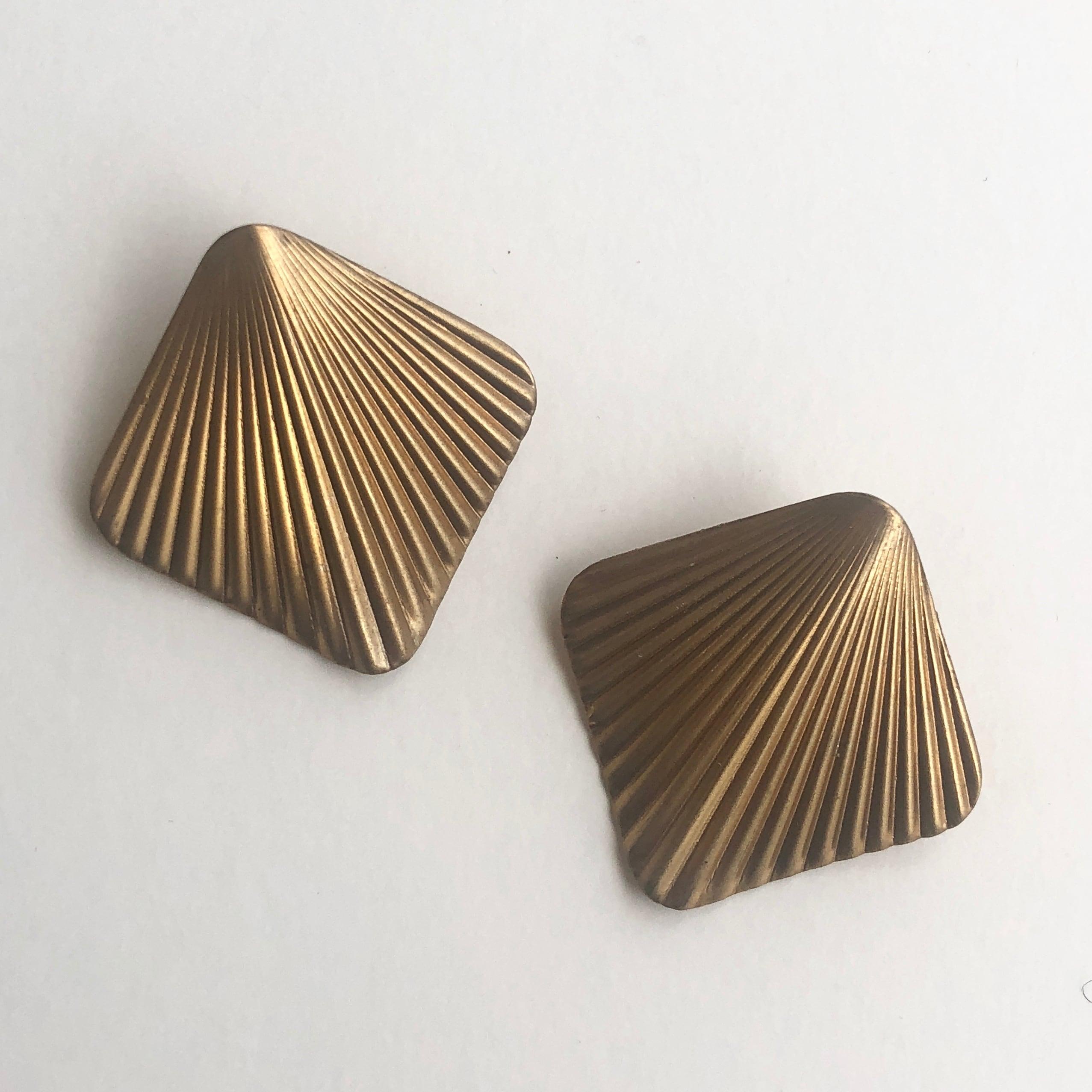 Raw Brass wing earrings B-015