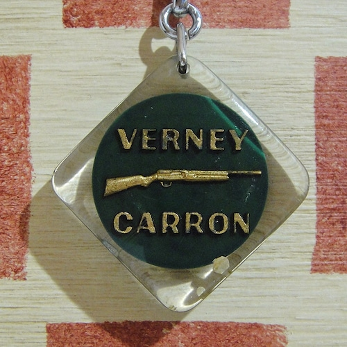 フランス VERNEY CARRON[バーニー・キャロン]銃器製造会社ブルボンキーホルダー