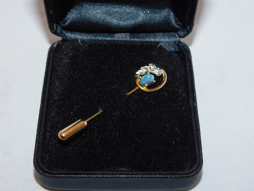 8Kオパールのピンブローチ(ビンテージ) 18K vintage pin  brooch