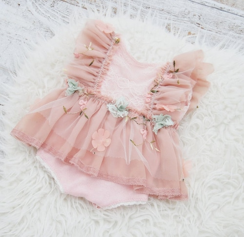 ピンクとお花のレースワンピ/LBPprops