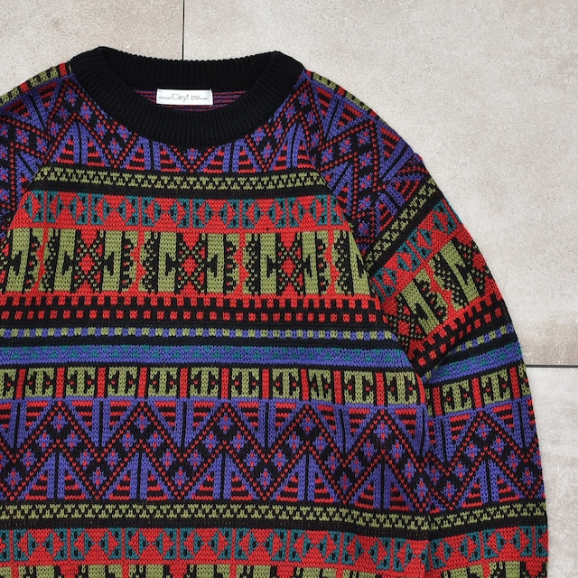 Mysterious native jacquard design sweter