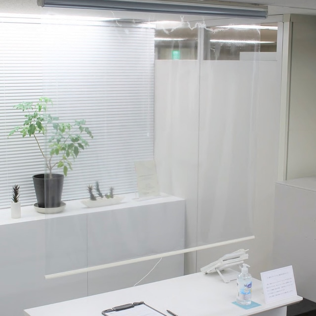 【幅120】ウィルス対策・飛沫感染防止に、透明ロールスクリーンが新発売!