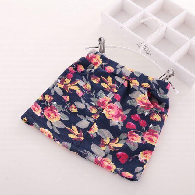フラワー柄 ボックス型ミニスカート