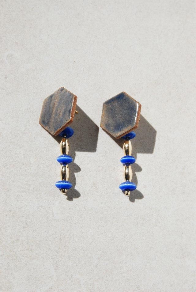 ピアス: [2WAY]ガラス &特製陶製タイル 「連鎖反応」