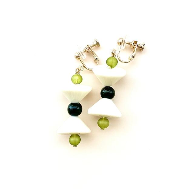 EAR001 飛騨春慶のイヤリング 緑