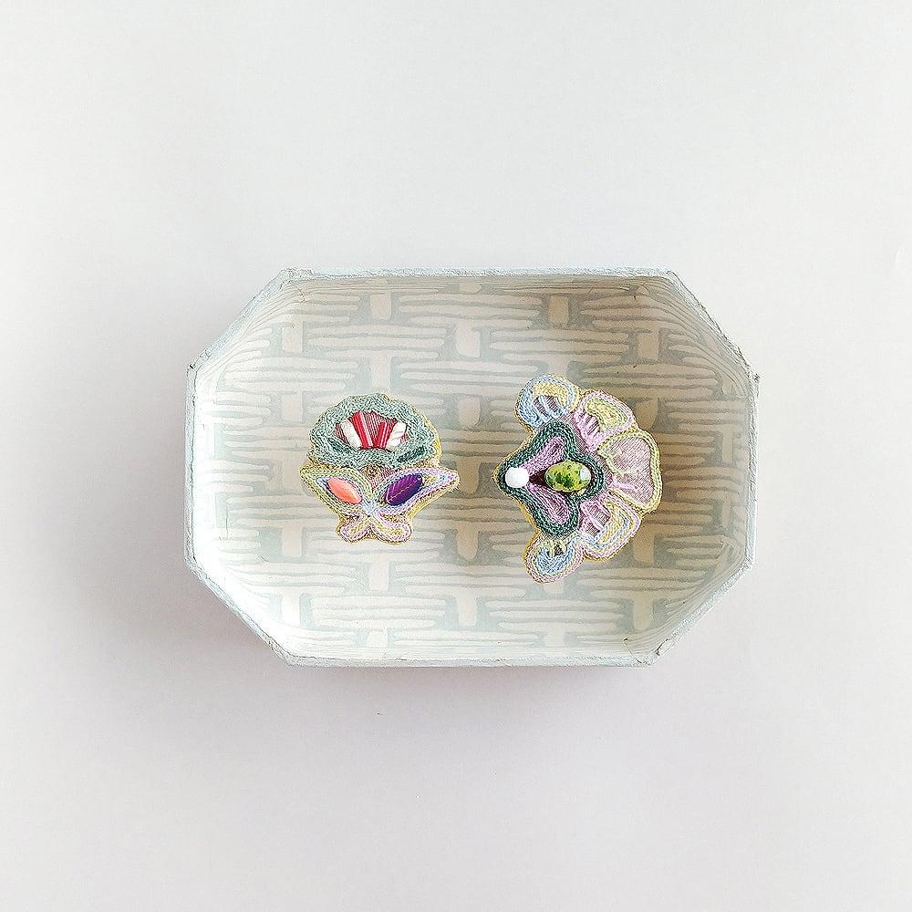 アントワネットポワソン(Antoinette Poisson)コラボイヤリング<インディアン花>