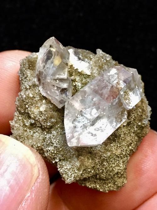 4) ニューヨーク・ハーキマー・ダイヤモンド母岩付き