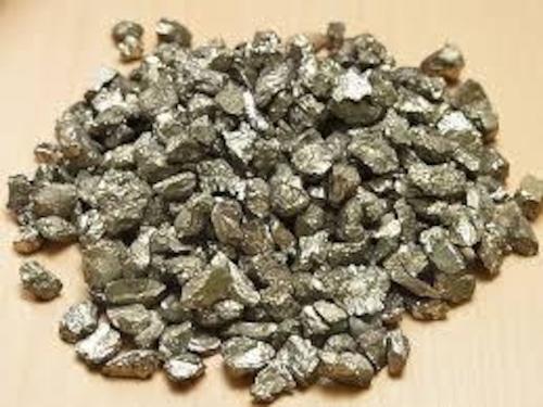 強い邪気払いの石|さざれ石  パイライト 天然石 [Chip stone & Cluster]