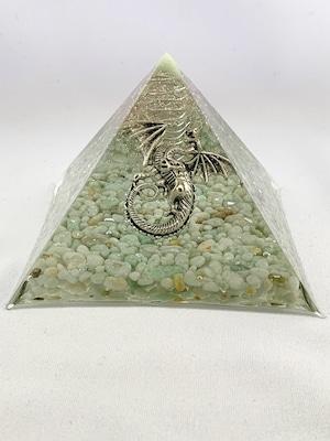 ピラミッド型オルゴナイト・ドラゴン【翡翠&天然水晶】オーダー受付中です